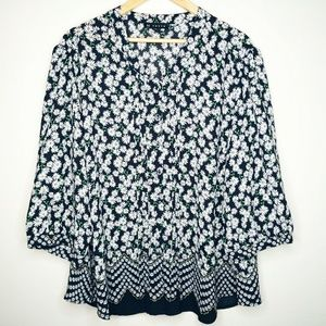 N Touch Plus Size Daisy Floral Button Down Top